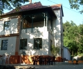 Alkotóház Villa, előtte terasz